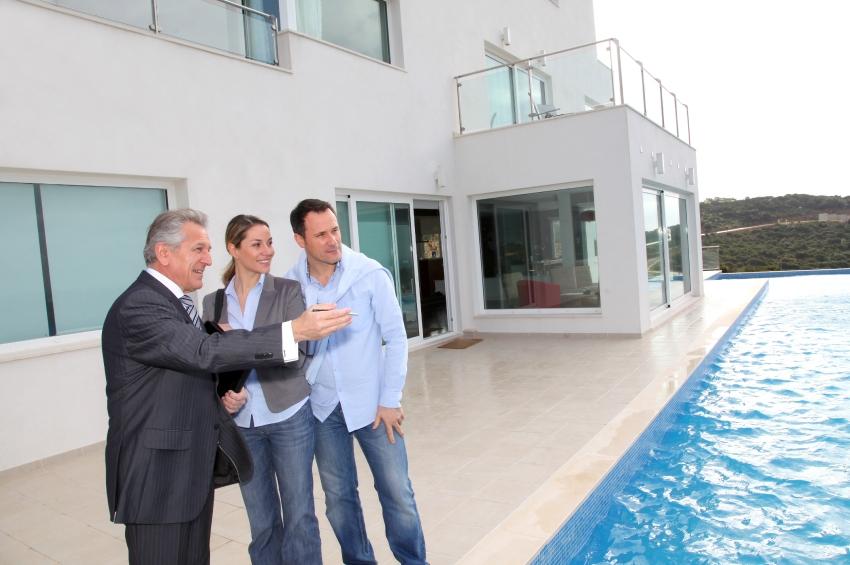 Vendre une maison avec piscine, ce que vous devez savoir en tant qu'agent immobilier