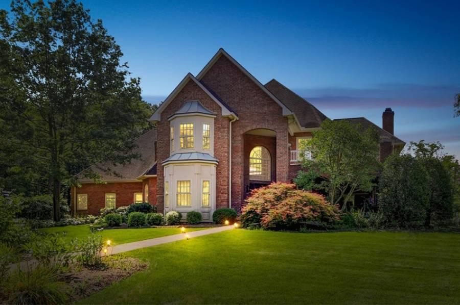 Venue des Etats-Unis, la photographie immobilière au crépuscule permet de se démarquer de la concurrence et de sublimer les biens.