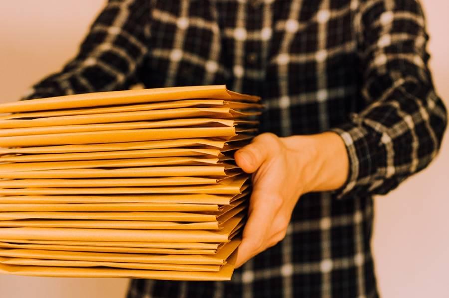 Contrats, comment réduire vos frais postaux ?